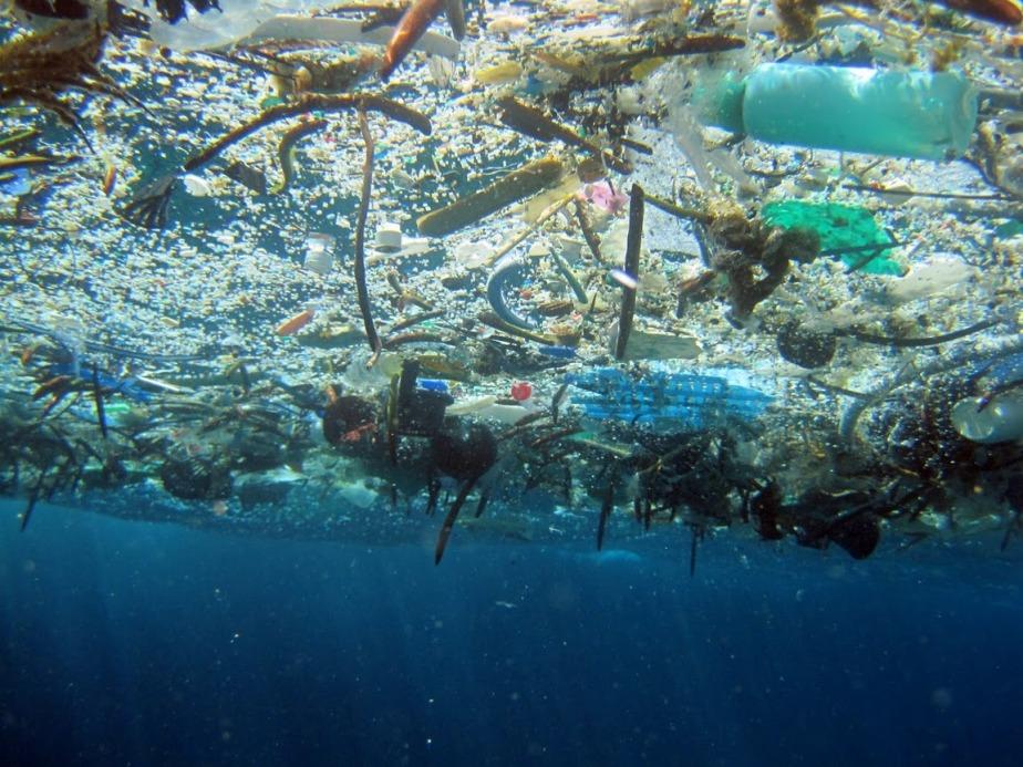 plastic-ocean-garbage